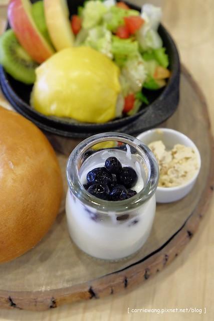 19070552674 40cefcbdd9 z - 【台中豐原】耶濃豆漿專門店。喝豆漿也可以很文青,兼具養生與美味的餐點,後院還有一個沙坑,也是親子友善餐廳