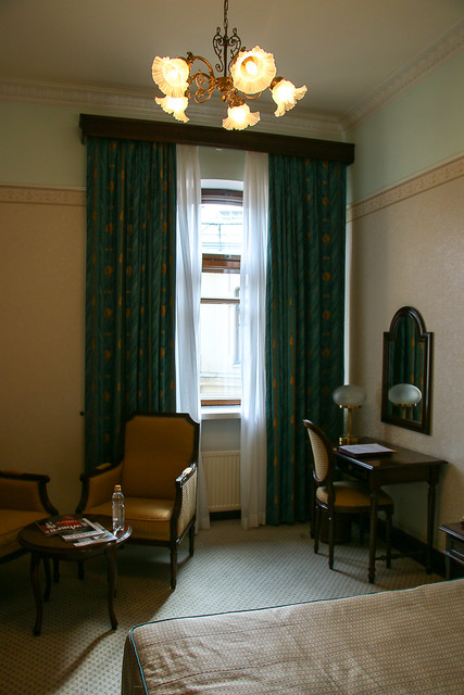 Standard room of Hotel Metropol Moscow, Russia モスクワ、ホテル・メトロポールの部屋