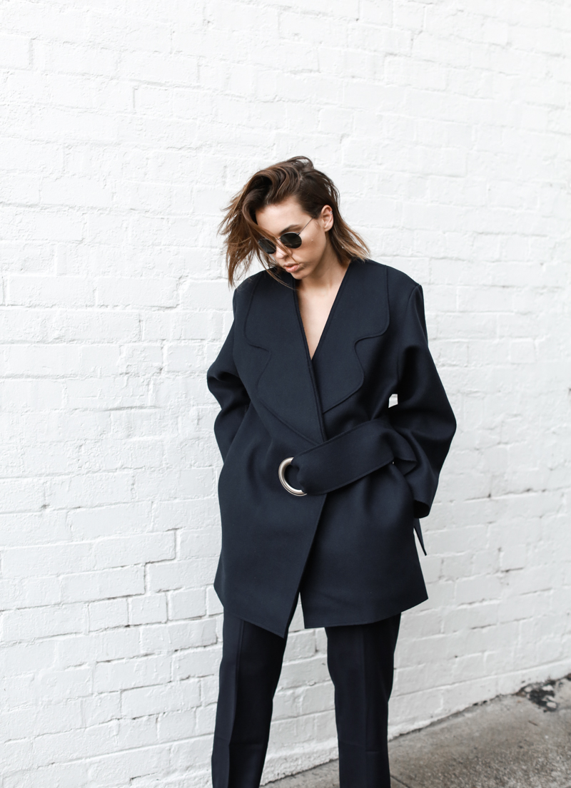modern legacy, fashion blog, JACQUEMUS designer navy coat, buckle detail, oversized, street style (1 of 1)
