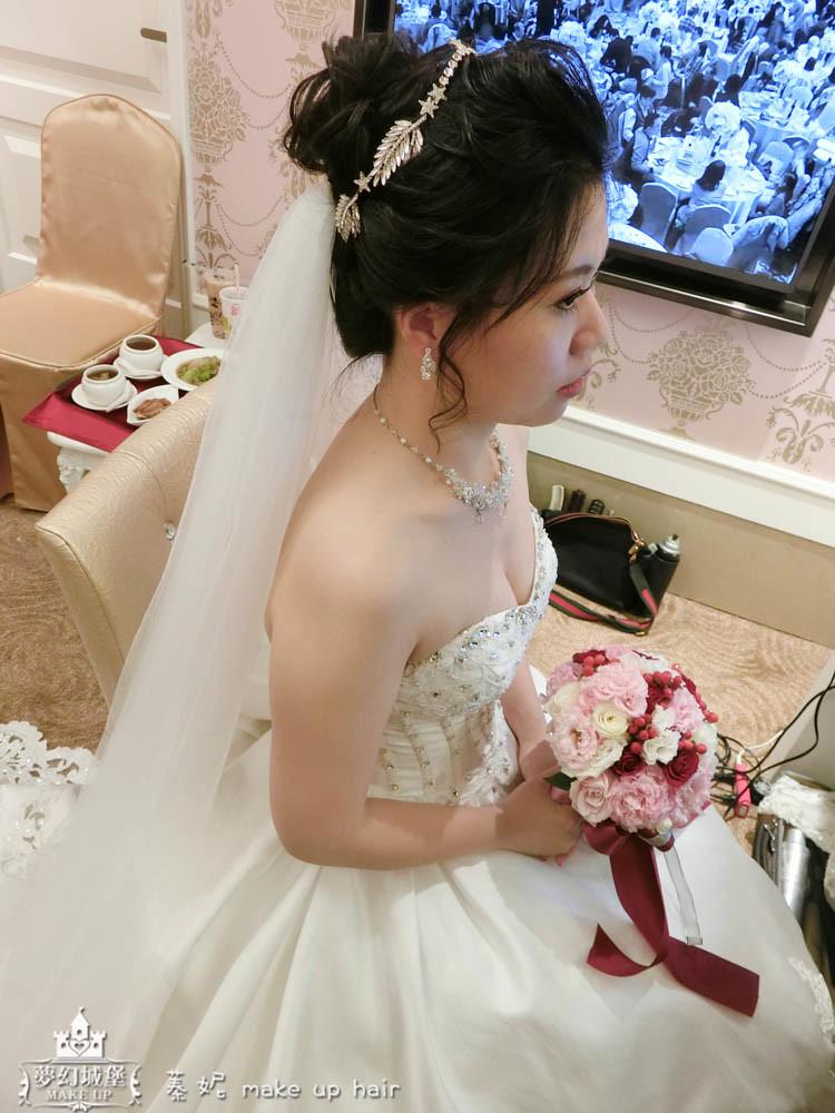 【新秘蓁妮】bride宜珊 結婚造型 / 台中寶麗金市政店