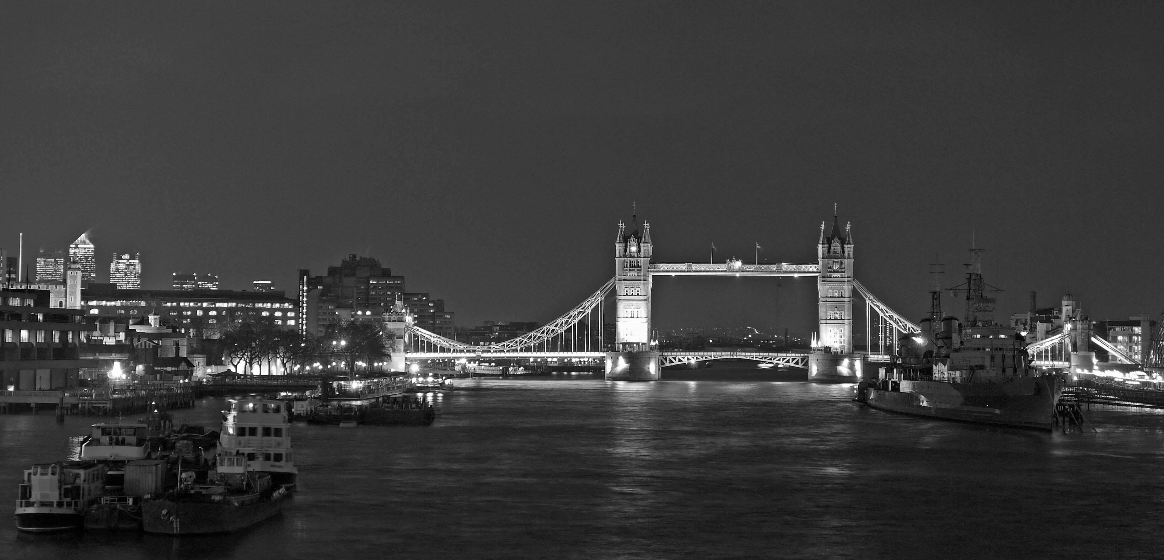 London skyline in black & white | Flickr - Photo Sharing!  London Skyline Black And White