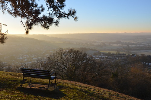 wotton under edge hill bench sunrise sun rise mist cotswolds cotswold way path glos gloucestershire nikon d7000 winter