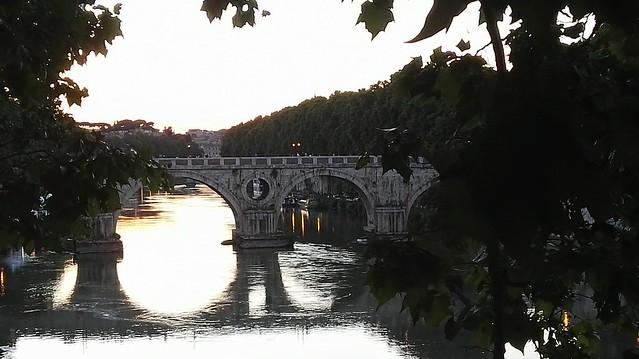 Der Tiber bei Trastevere stromaufwärts mit dem normalen Kamera-Modus