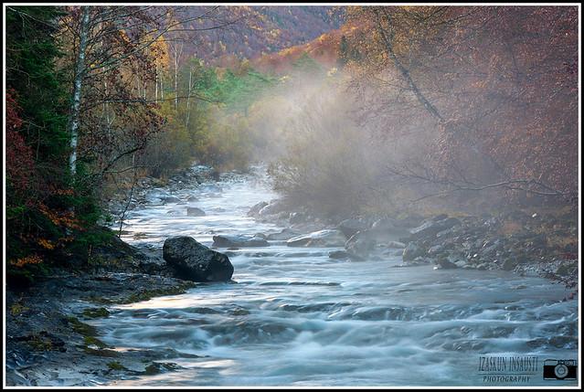 Hace tanto frío que los ríos parece que tienen humo. ;-)