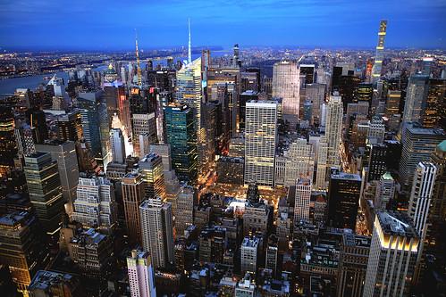 photogaphy newyork nyc newyorkcity esb empirestatebuilding cityscape bluehour longexposure slowshutterspeed slowshutter america concretejungle usa