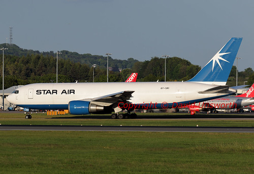 Aircraft (B762) silhouette