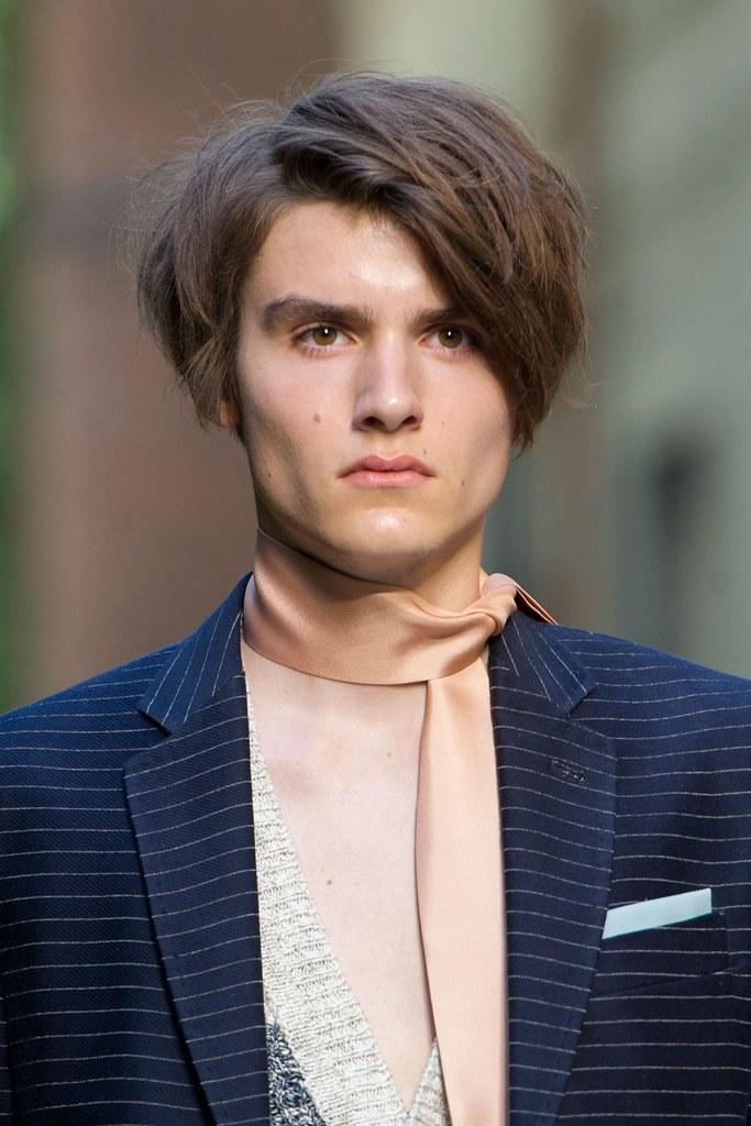 Elvis Jarrs3027_SS16 Milan Andrea Pompilio(fashionising.com)