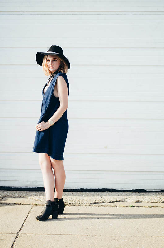 Free People Chambray Dress on juliettelaura.blogspot.com