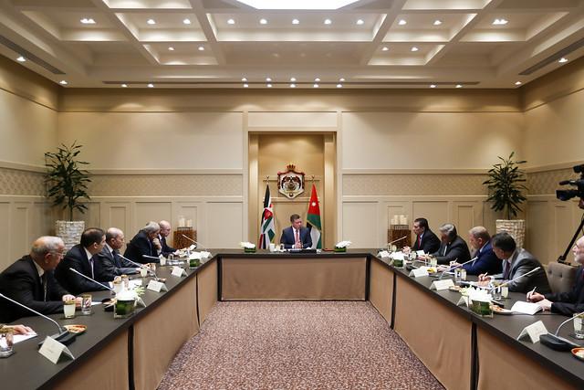 جلالة الملك عبدالله الثاني يلتقي رئيسي مجلسي الأعيان والنواب وأعضاء المكتب الدائم في المجلسين