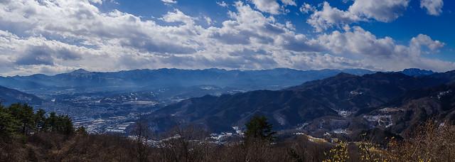 宝登山山頂付近からの展望