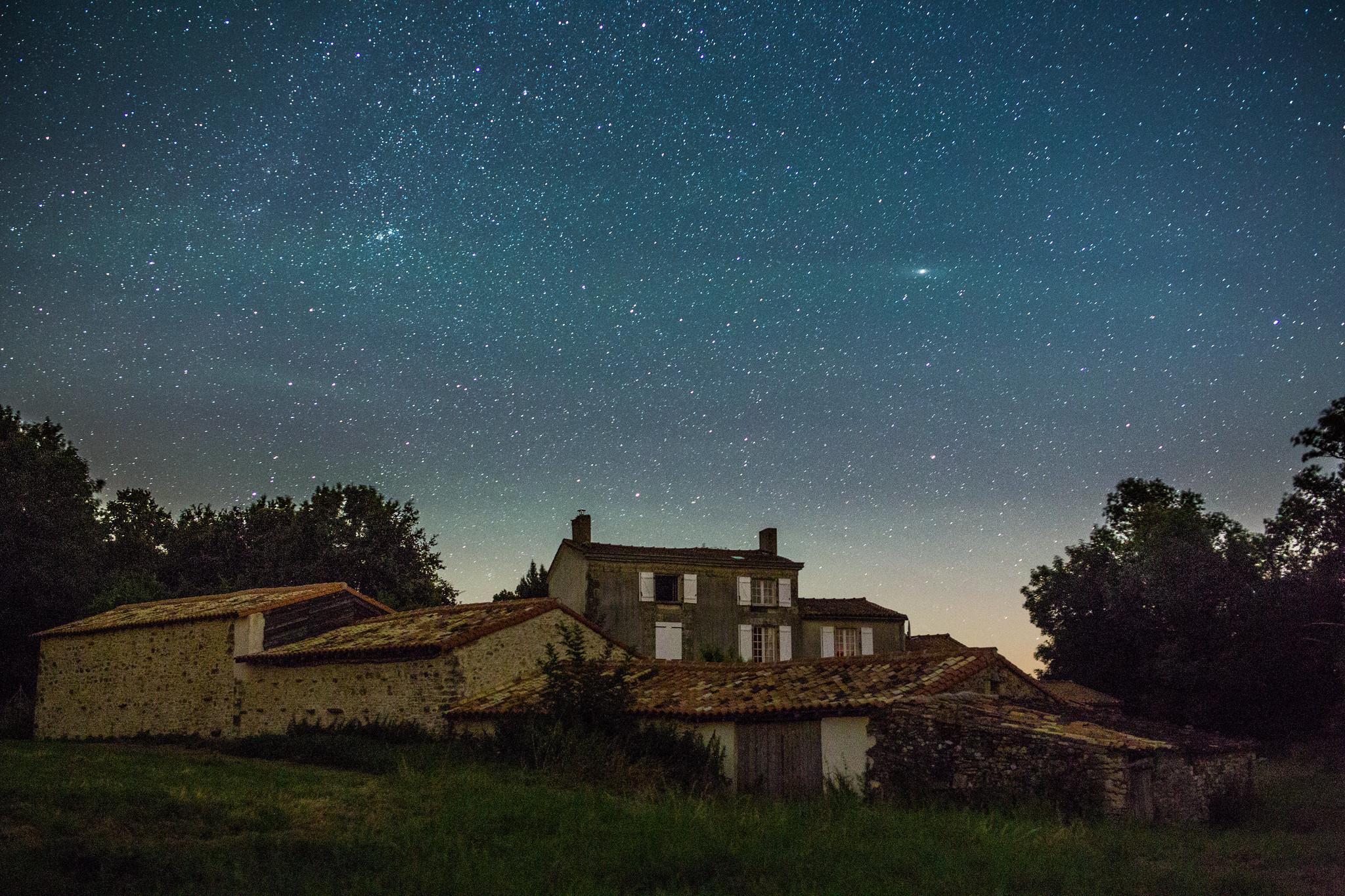 La Godinière at night
