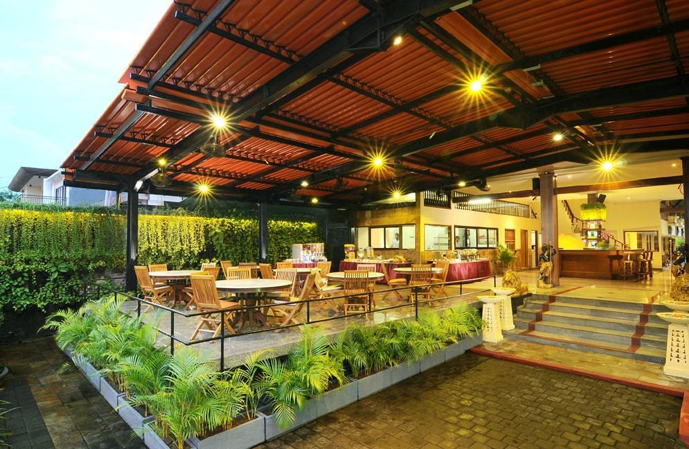 green-garden-hotel dining