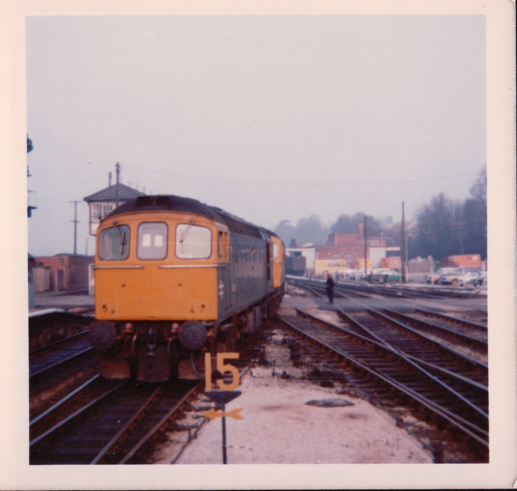 A pair of 33s running around at Exeter St Davids 1970s.