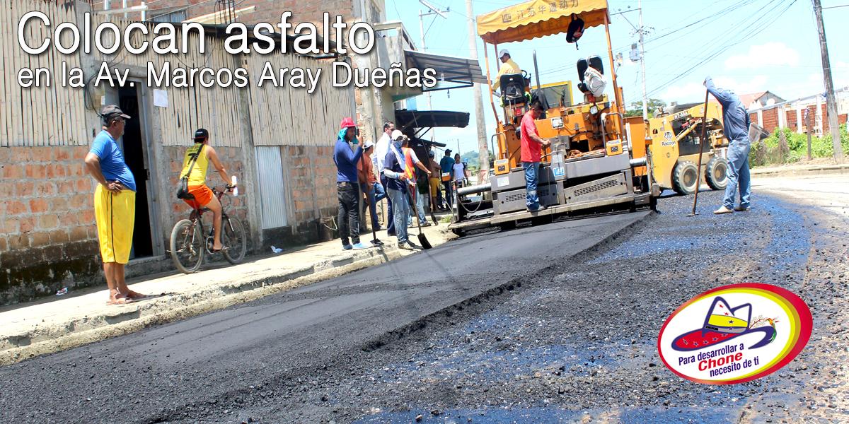 Colocan asfalto en la Av. Marcos Aray Dueñas