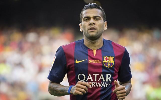 Segundo jornal, Daniel Alves pode trocar o Barcelona pelo futebol chin�s