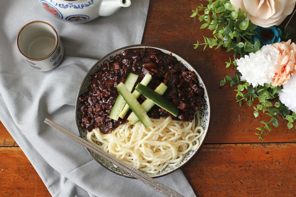 19774603065 bdd47eaf80 b - Two ways to go crazy for Jjajangmyeon 짜장면