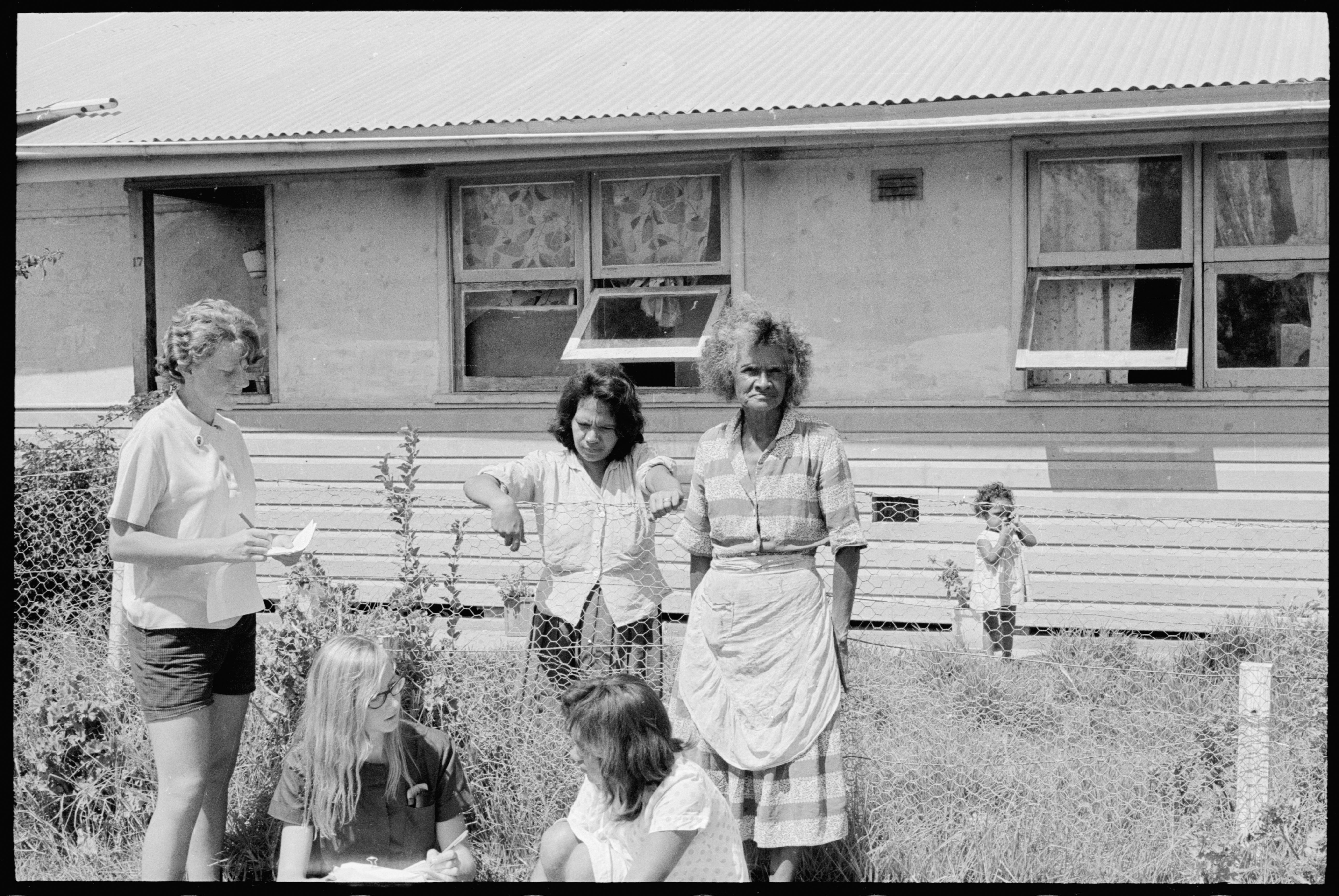 Ann Curthoys and Louise Higham interview residents at Moree Aborigial Station, 17 Feb 1965 / The Tribune