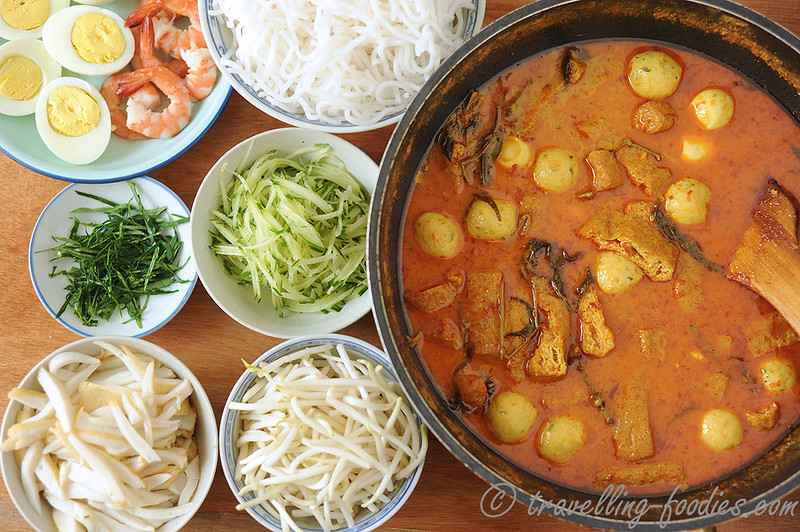 On the Trail of the Phoenix – Katong Laksa | travellingfoodies