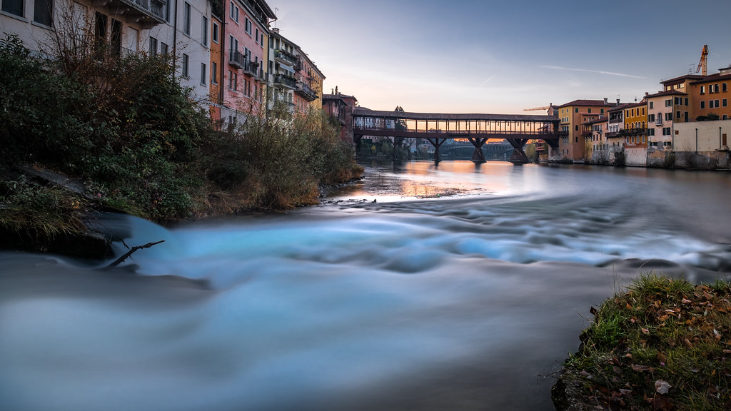 Ponte degli Alpini at sunrise - Bassano del Grappa, Italy - Travel photography