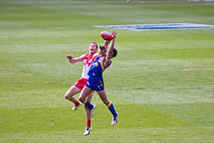 australian rules football, football player, sports, competition event, team sport, tackle, player, rugby sevens, ball game, tournament,