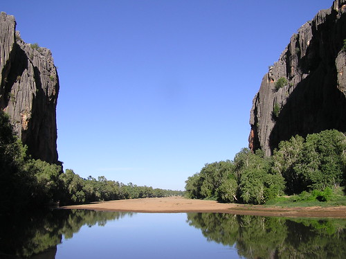 Towering cliffs enclosing a lake in the West of Australia.