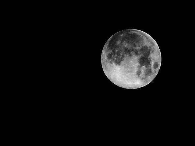Moon_Z10540m