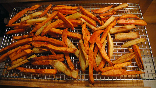 thanksgiving: sweet potato & yam fries