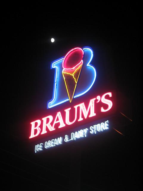 Braum S Ice Cream Burger Restaurant Oklahoma City Ok