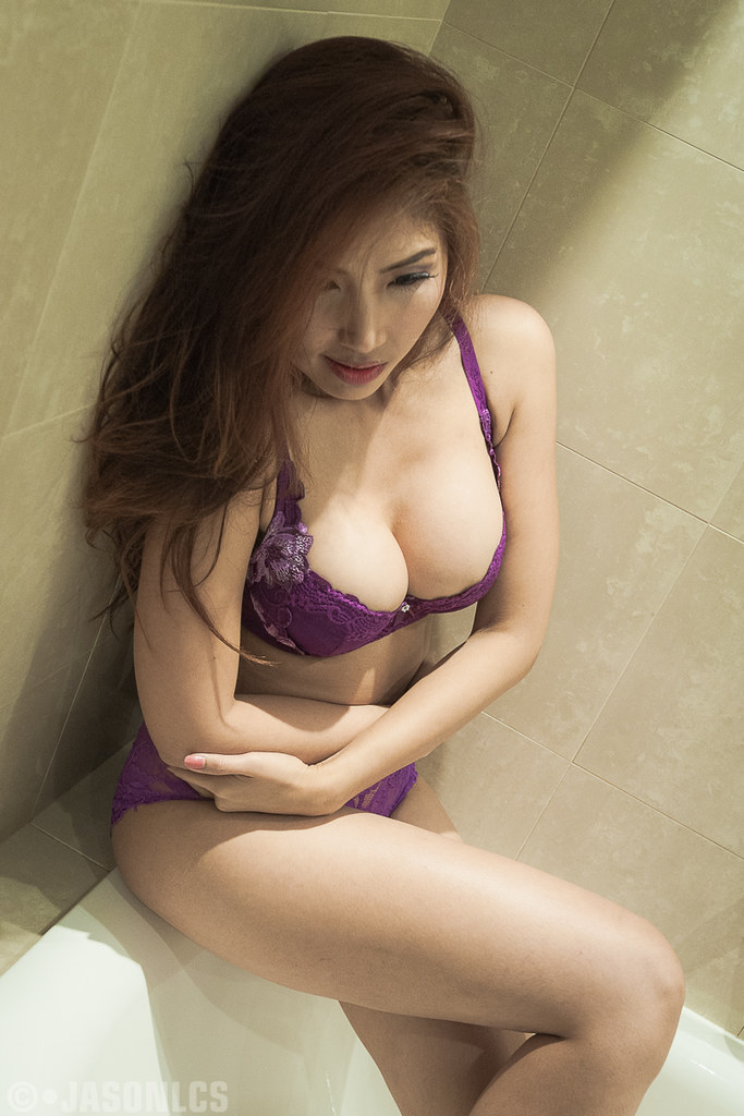 Erotic photoes of thai girls