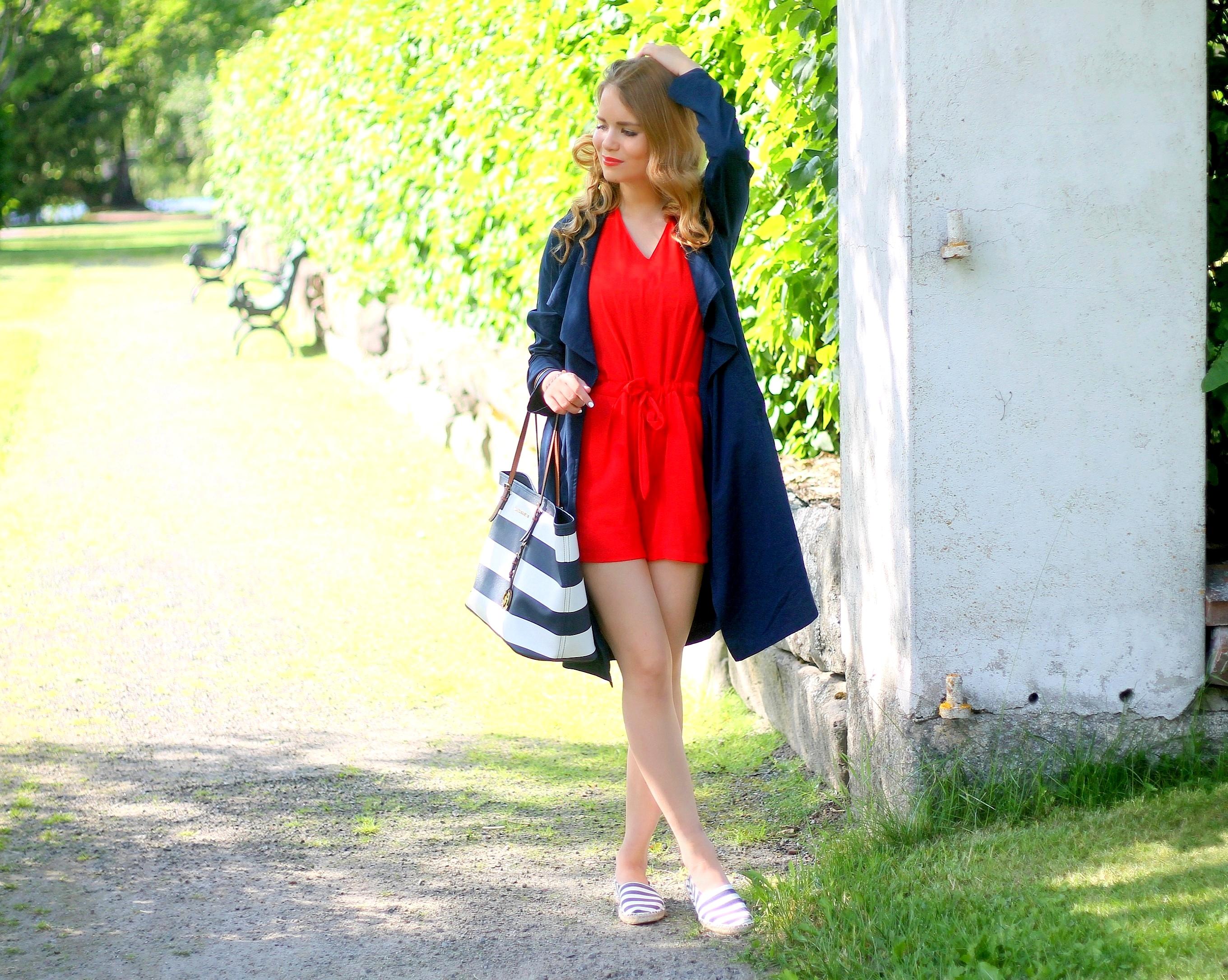 punainen jumpsuit