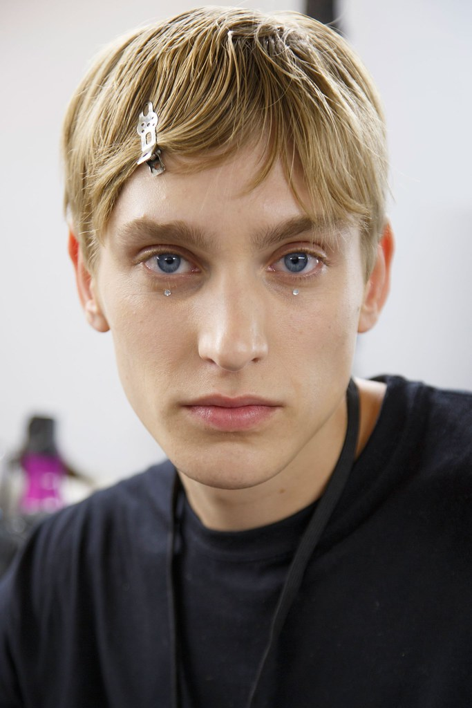 Jeroen Smits3270_SS16 Paris Dries Van Noten(fashionising.com)