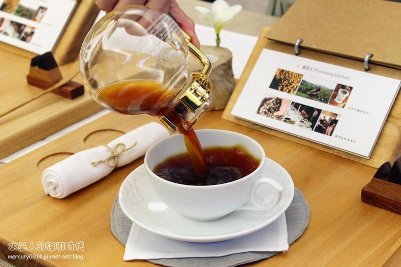 19864693090 ec68f7c13d b - 熱血採訪。台中大坑【OKLAO 歐客佬咖啡農場】喝到寮國啤酒口味的創意咖啡,咖啡甜點舒適氛圍,爬山後放鬆的早午茶時刻,全系列藝伎咖啡買一送一(活動期間7/29-8/9)