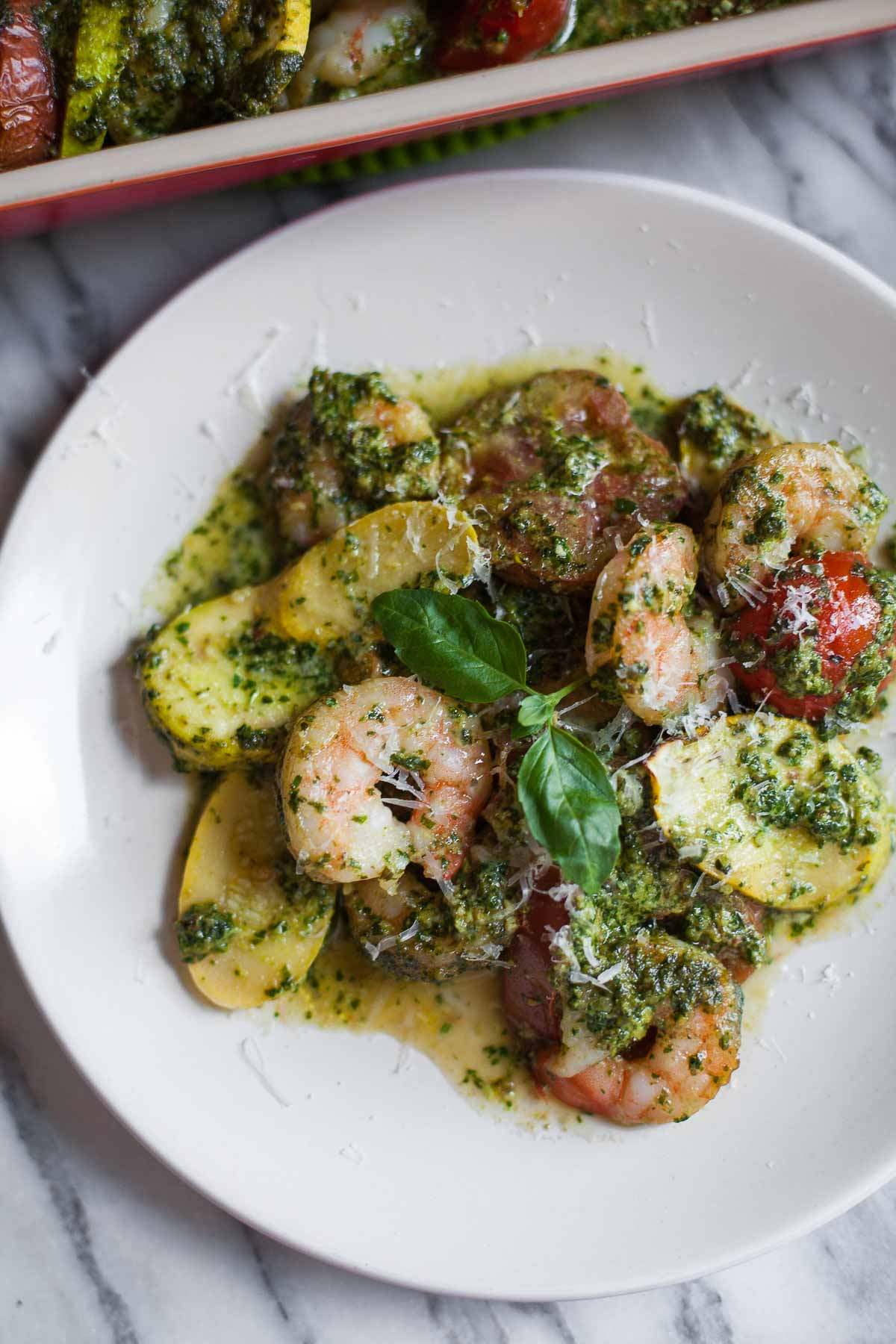 Pesto Shrimp Bake with Squash and Tomatoes #30MinuteMondays | acalculatedwhisk.com