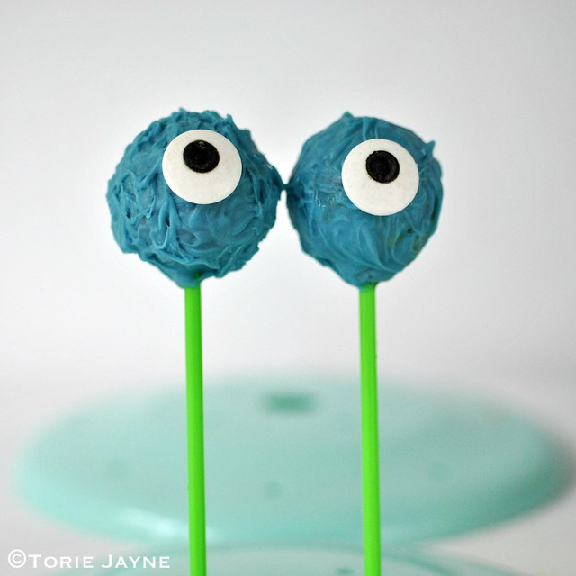 Blue Monster cakepops