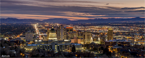 adelheidsphotography adelheidsmitt adelheidspictures america bluehour blue heurebleu city cityscape canoneos6d saltlakecity slc capital evening lights skyline sunset usa unitedstates utah colour color colorful view viewpoint cityview citylights citta stad capitol capitolbuilding statecapital