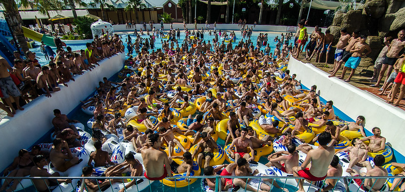 17 June - Some wave pools create waves periodically throughout the day. This one waits until 5pm and just does it once so that everyone who desires to participate can cram together and do it at the same time. Ah, community!