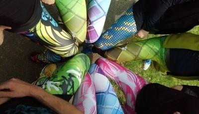 Nebojte se barev II – legíny a ponožky Nessi