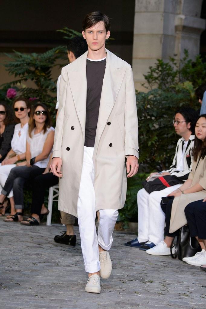 Yulian Antukh(Antuh)3214_SS16 Paris Officine Generale(fashionising.com)