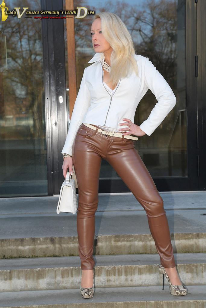 Delicate and seductive Vanessa Scott  The Hairy Lady Blog