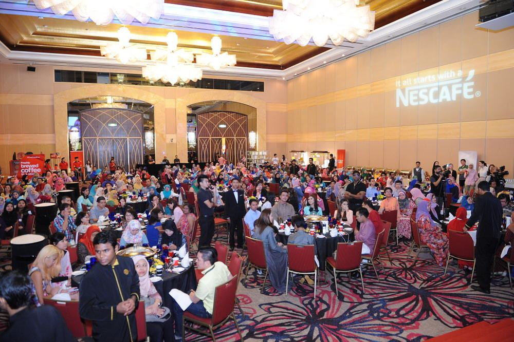 The crowd at NESCAFÉ® Blend & Brew™ - Rindu Awak 200% Raya Open House