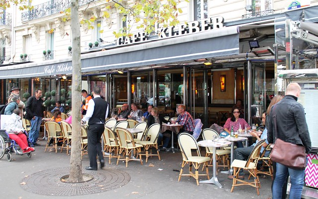 outdoor cafe in paris