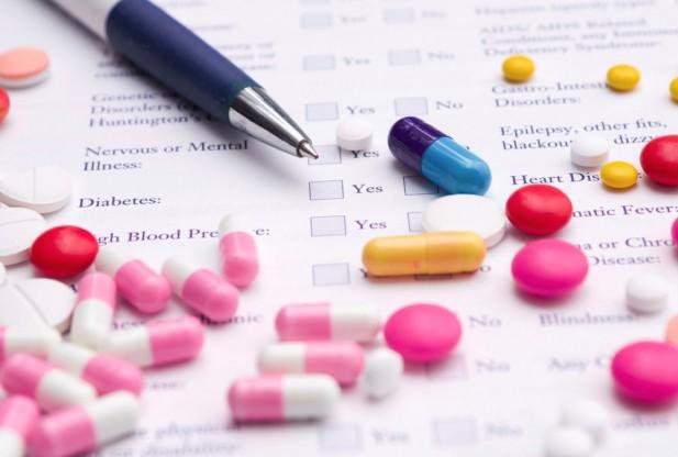 Người bệnh suy tim nên mang theo danh sách thuốc đang sử dụng khi đi khám