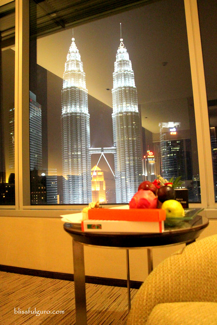 Traders Hotel Kuala Lumpur Malaysia Twin Towers View Room