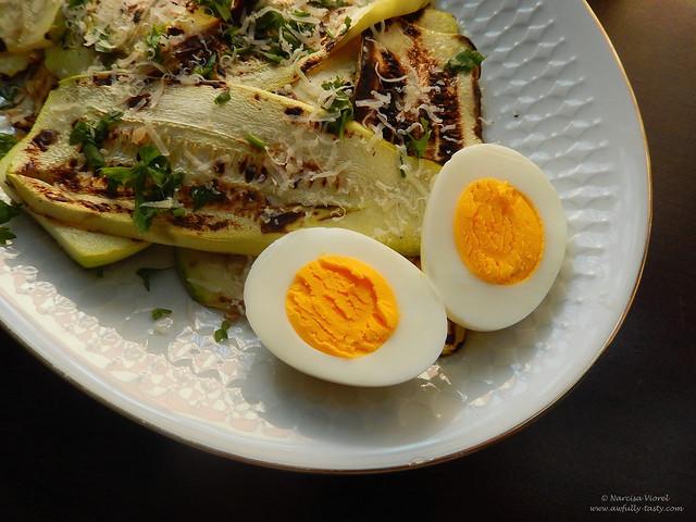 salata calda de dovlecei la gratar