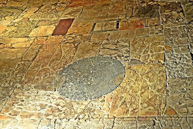 Foro di Cesare   resti del pavimento originale
