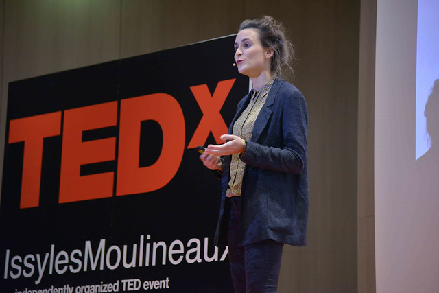 2016-11-23 - TEDxIssy-01 - Speakers (14h35m45) - Laura LETOURNEAU