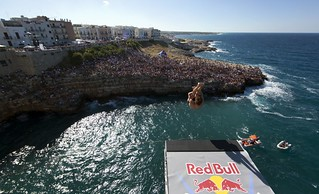 ph. credits Romina Amato-  Red Bull Content Pool tuffi polignano red bull