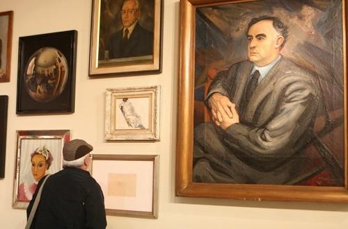 Exhiben colección de Martín Luis Guzmán en Museo de Arte Moderno