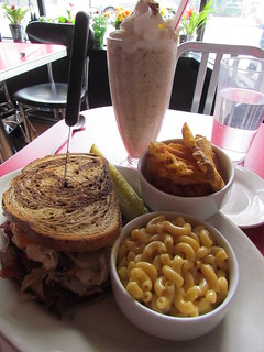Perfect lunch at Chicago Diner