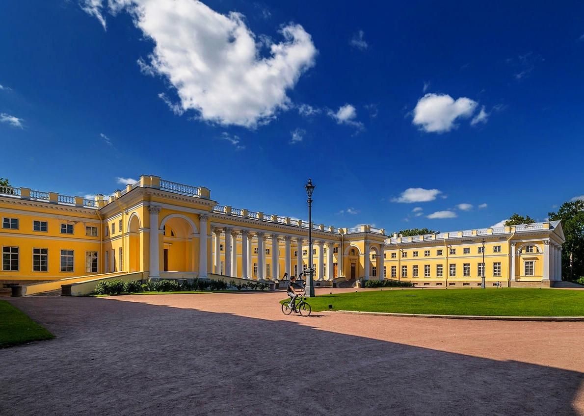 Alexandrovsky Palace in Tsarskoe Selo. Credit Florstein